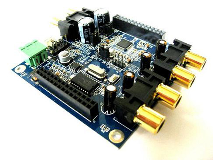 RevA- ja RevB-mallien ero on sisääntuloherkkyys. Laite muuttuu versiosta toiseen yhden dipin asentoa muuttamalla.