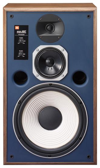 Vanha tyyli, moderni rakenne ja onnistunut annos merkin perinteitä kunnioittavaa menevää ja iskevää soundia.