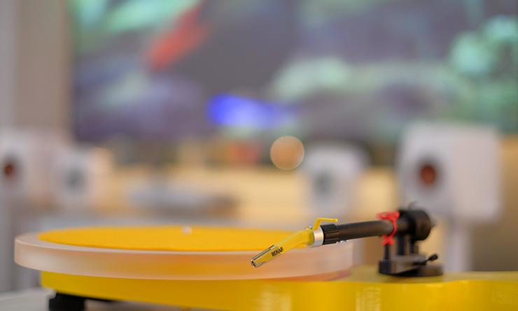 audiokauppa-keltainen-levysoitin-8883b